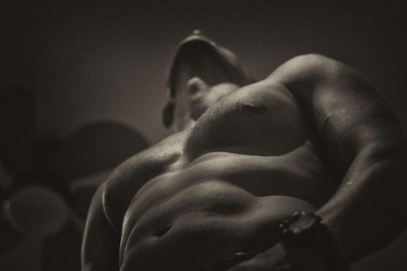 自重ででかい筋肉